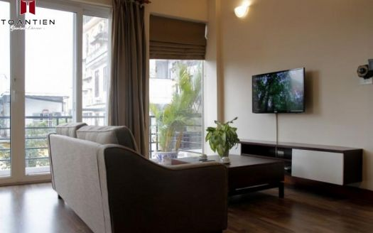 Apartment for rent in Hoan Kiem Dist with affordable price under 1000$ for foreigners
