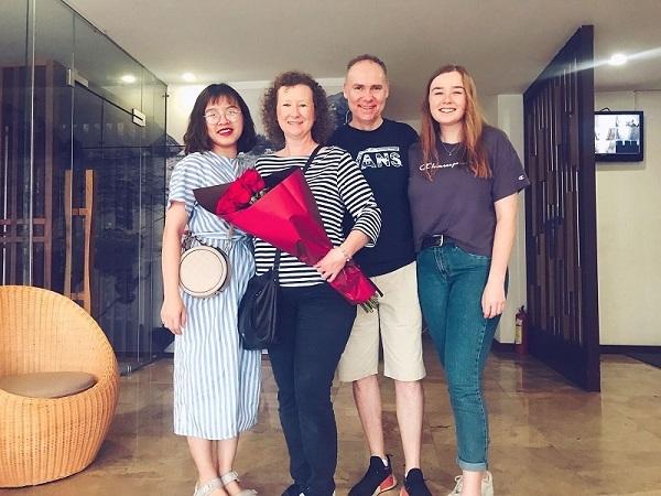 Toan Tien Housing tặng quà sinh nhật cho khách sinh tháng 3