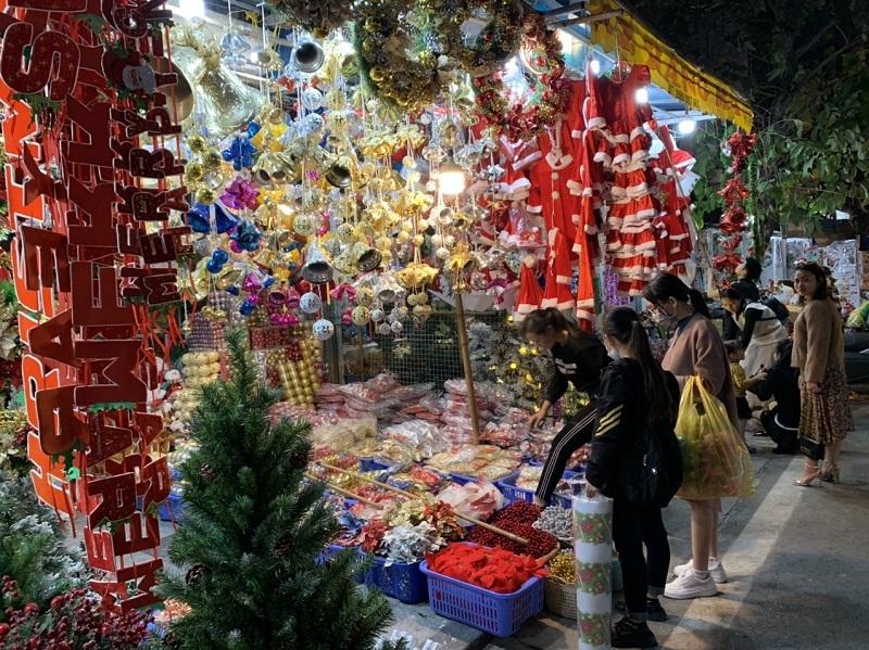 Hà Nội rực rỡ sắc màu chào đón Giáng sinh 2020