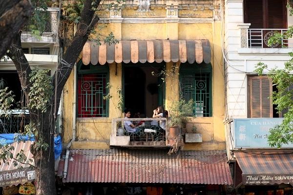 Ngắm nhìn một nét xưa của Hà Nội tại Cafe Đinh